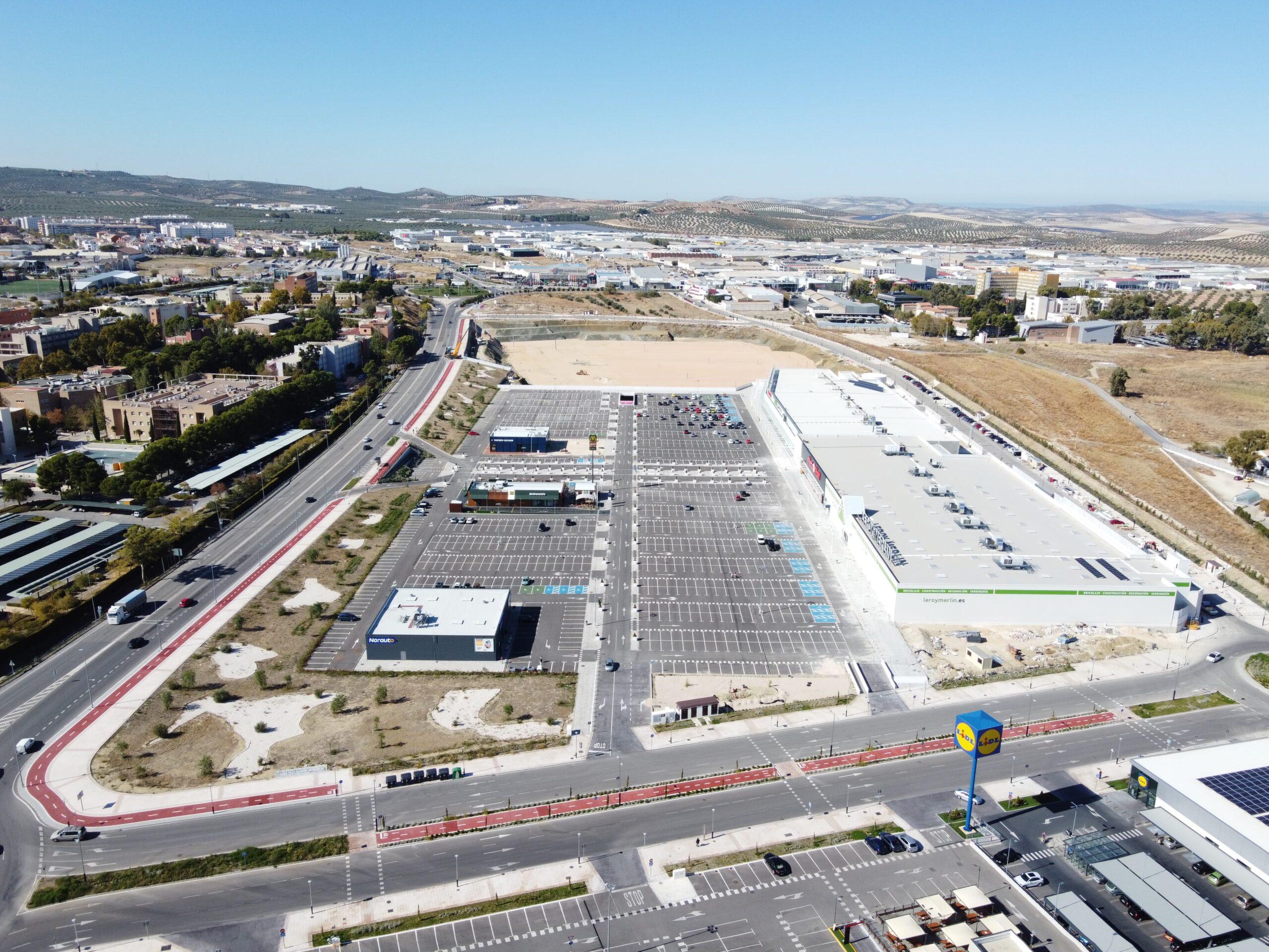 Inaugurada la primera fase del Centro Comercial Jaén Plaza